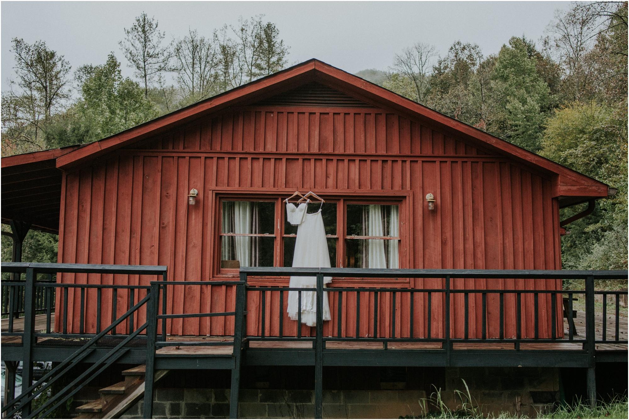 camp-at-buffalo-mountain-jonesborough-tennessee-rustic-wedding-elopement-fall-johnsoncity-northeast-tn_0005.jpg