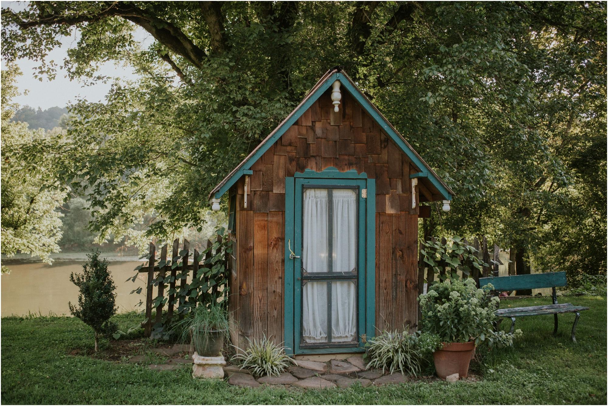 homestead-on-the-holston-hiltons-virginia-bohemian-canoe-styled-shoot-northeast-tennessee-elopement-wild-free-spirit_0004.jpg