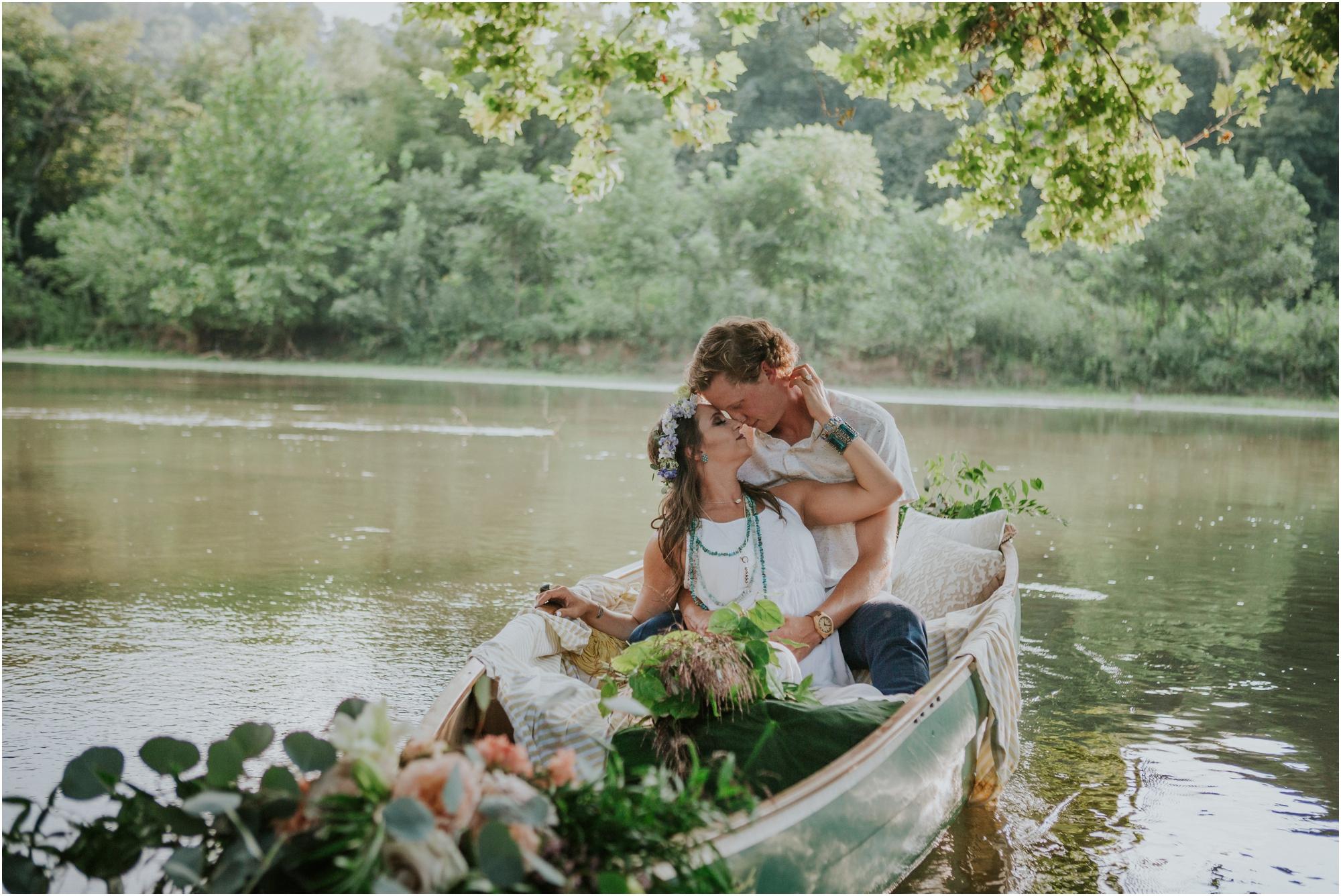 homestead-on-the-holston-hiltons-virginia-bohemian-canoe-styled-shoot-northeast-tennessee-elopement-wild-free-spirit_0007.jpg