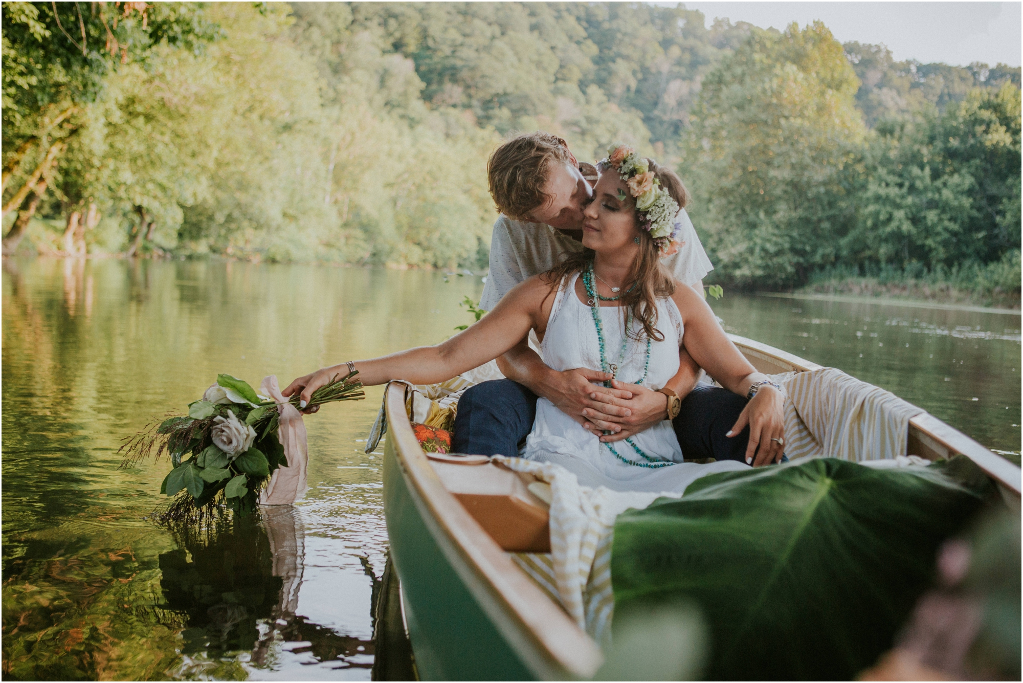 homestead-on-the-holston-hiltons-virginia-bohemian-canoe-styled-shoot-northeast-tennessee-elopement-wild-free-spirit_0021.jpg
