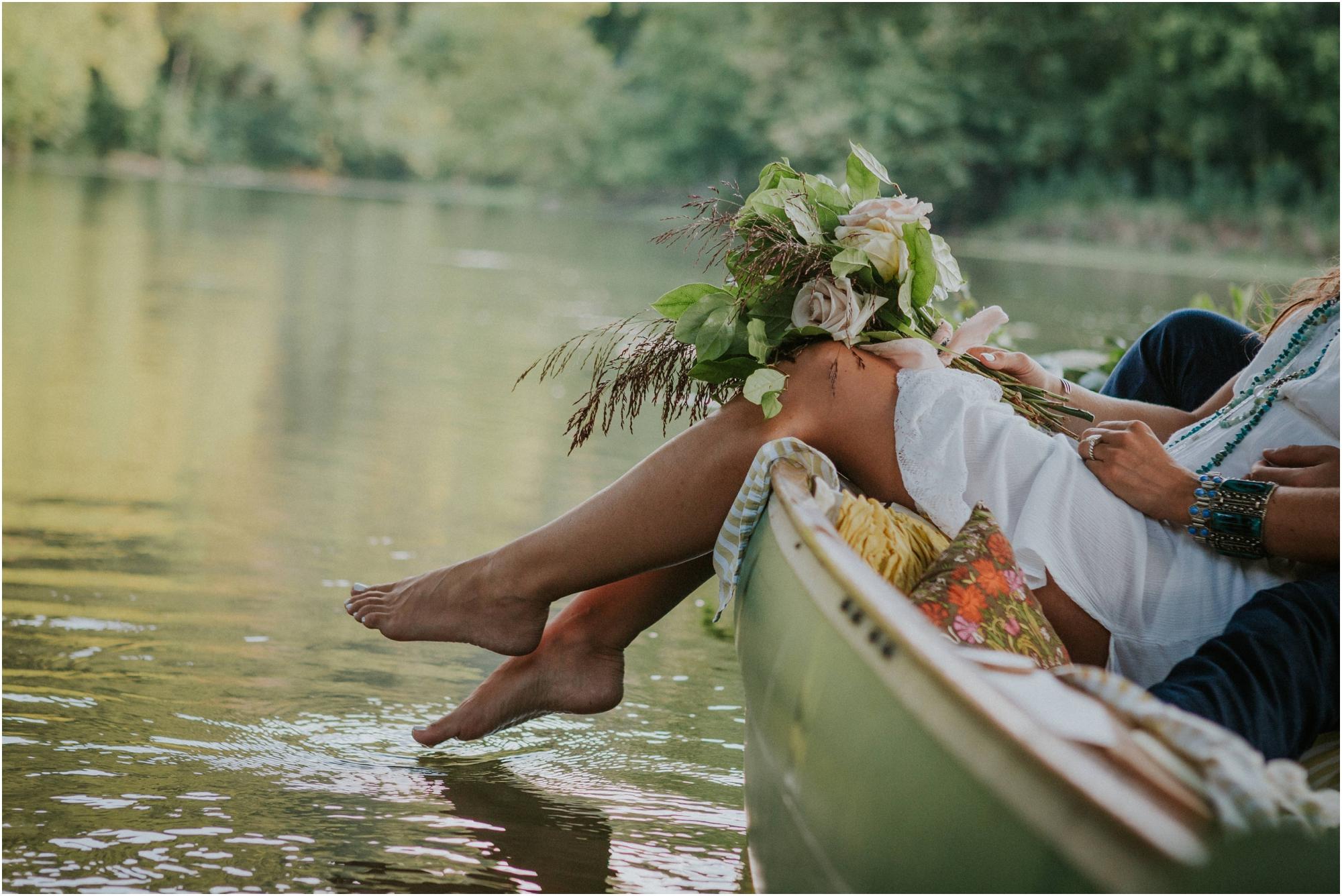 homestead-on-the-holston-hiltons-virginia-bohemian-canoe-styled-shoot-northeast-tennessee-elopement-wild-free-spirit_0023.jpg