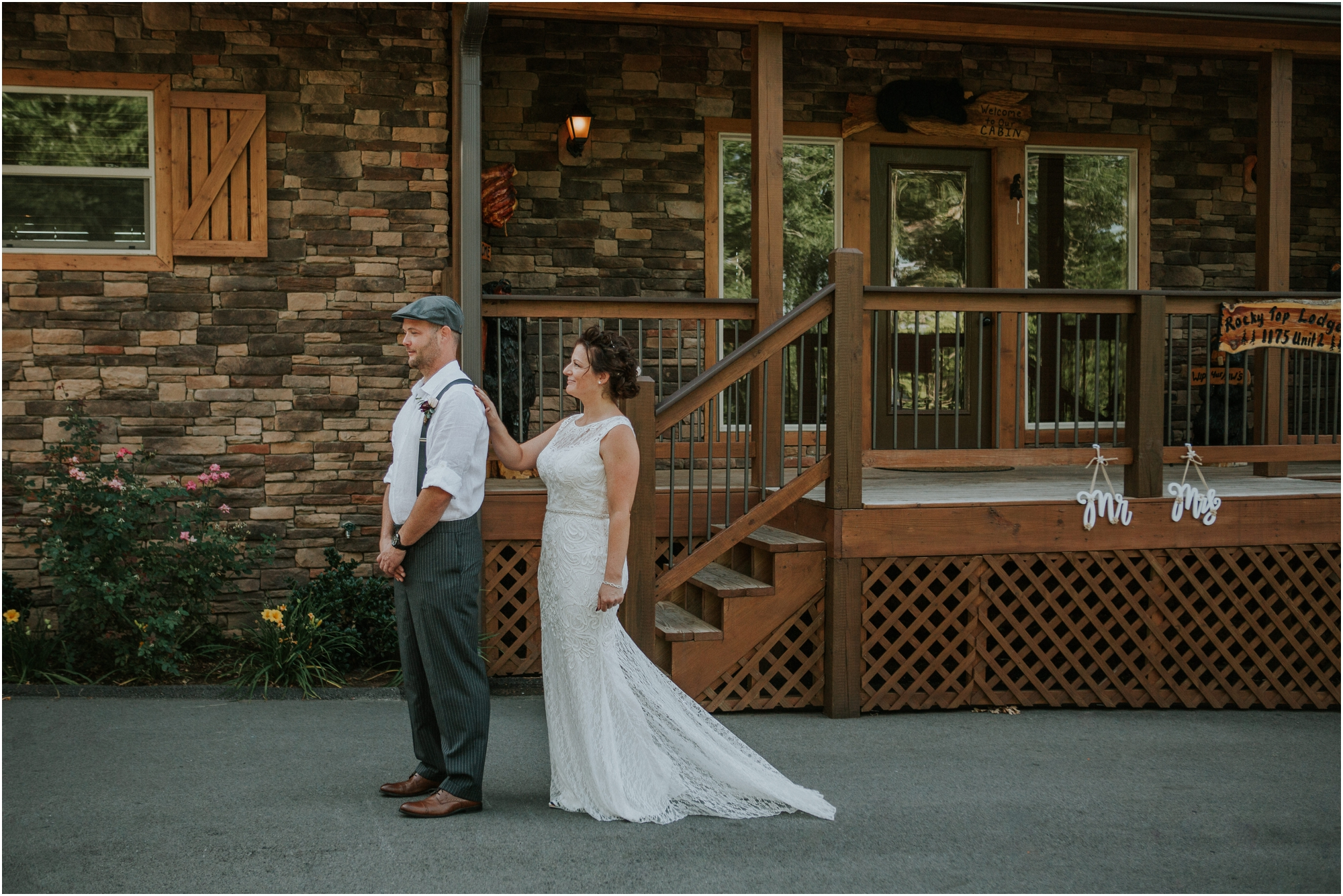 first-looks-wedding-planning-tips-timeline-groom-bride-katy-sergent-photography-northeast-tennessee-adventurous-wedding-elopement_0009.jpg