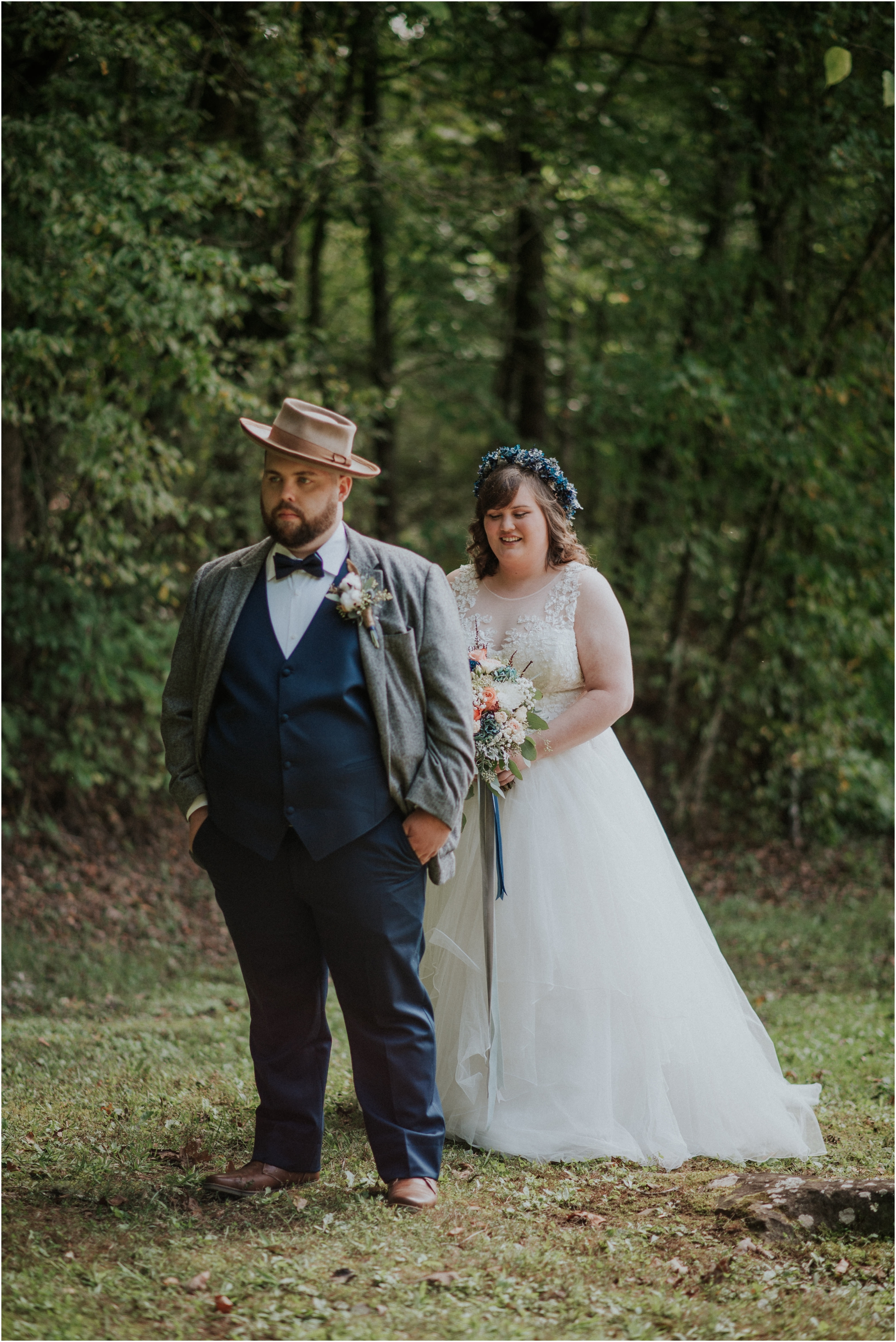 first-looks-wedding-planning-tips-timeline-groom-bride-katy-sergent-photography-northeast-tennessee-adventurous-wedding-elopement_0002.jpg