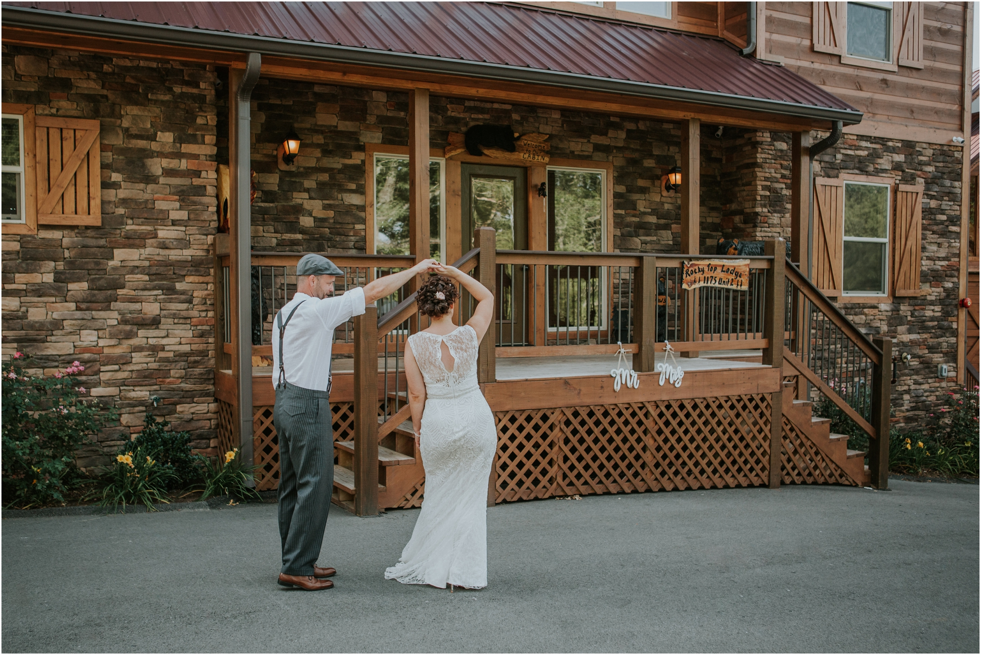 first-looks-wedding-planning-tips-timeline-groom-bride-katy-sergent-photography-northeast-tennessee-adventurous-wedding-elopement_0012.jpg