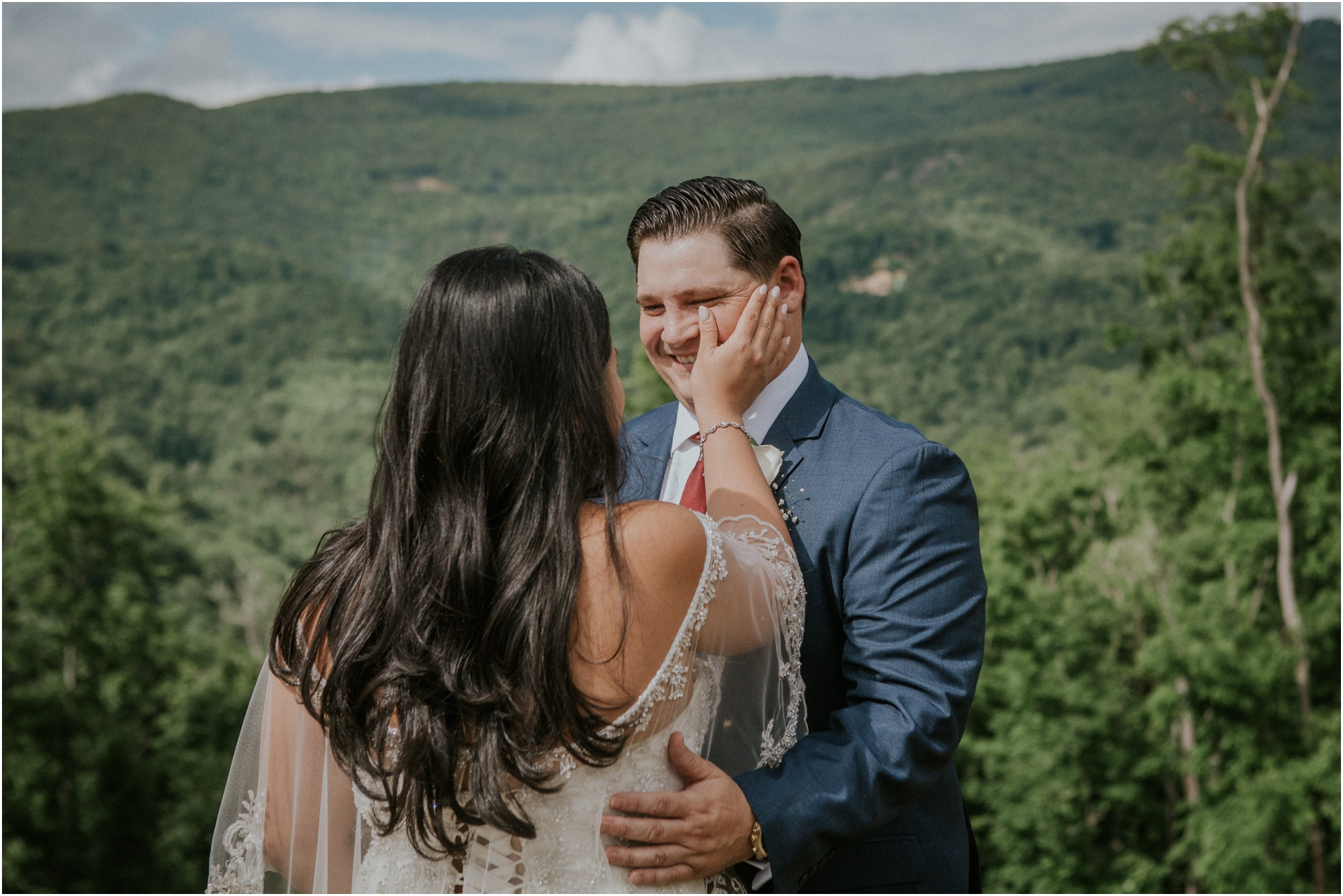 first-looks-wedding-planning-tips-timeline-groom-bride-katy-sergent-photography-northeast-tennessee-adventurous-wedding-elopement_0006.jpg