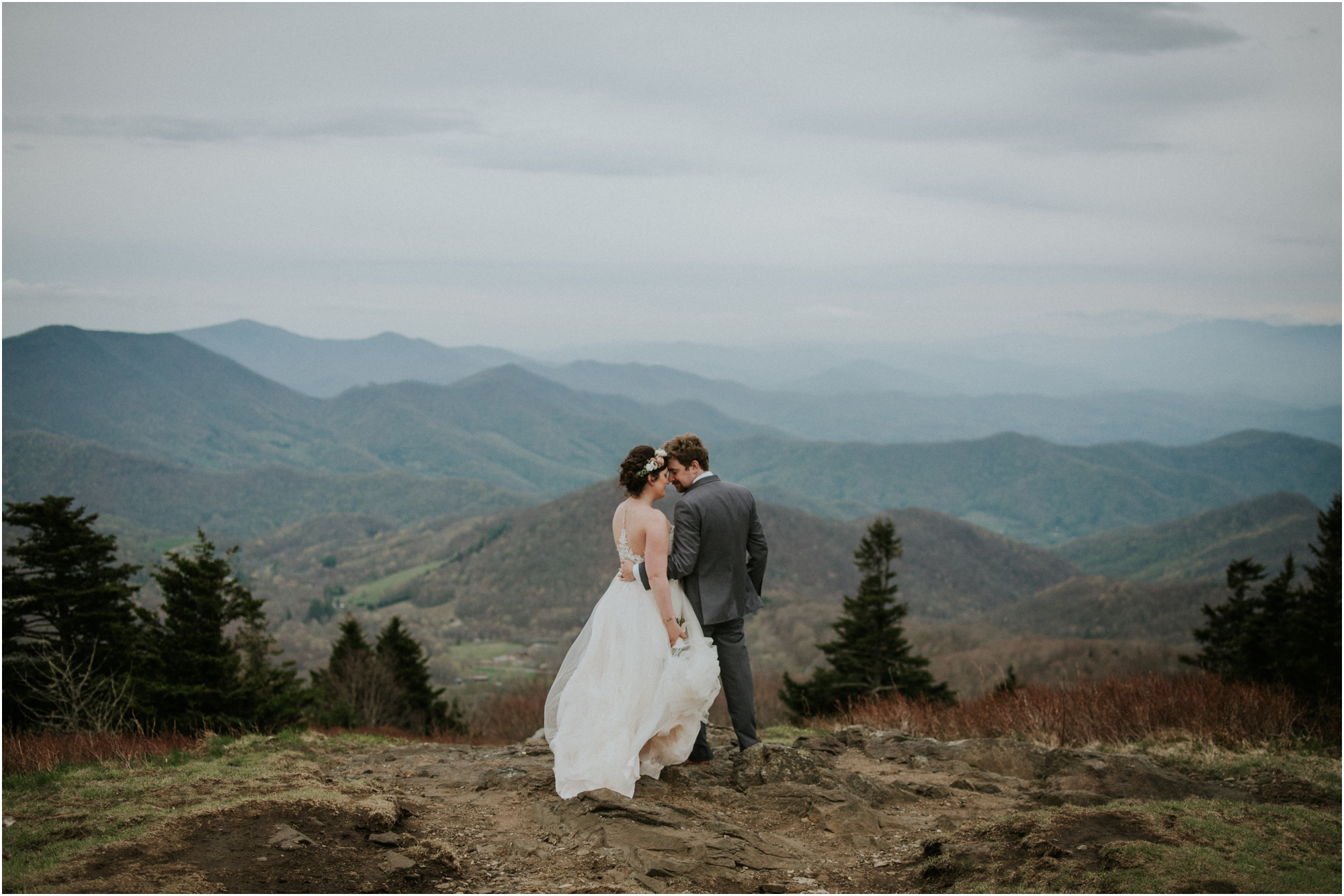 dusty-rose-mountaintop-rustic-intimate-wedding-elopement-johnson-city-roan-mountain-tn-tennessee-northeast-blue-ridge-mountains_0110.jpg