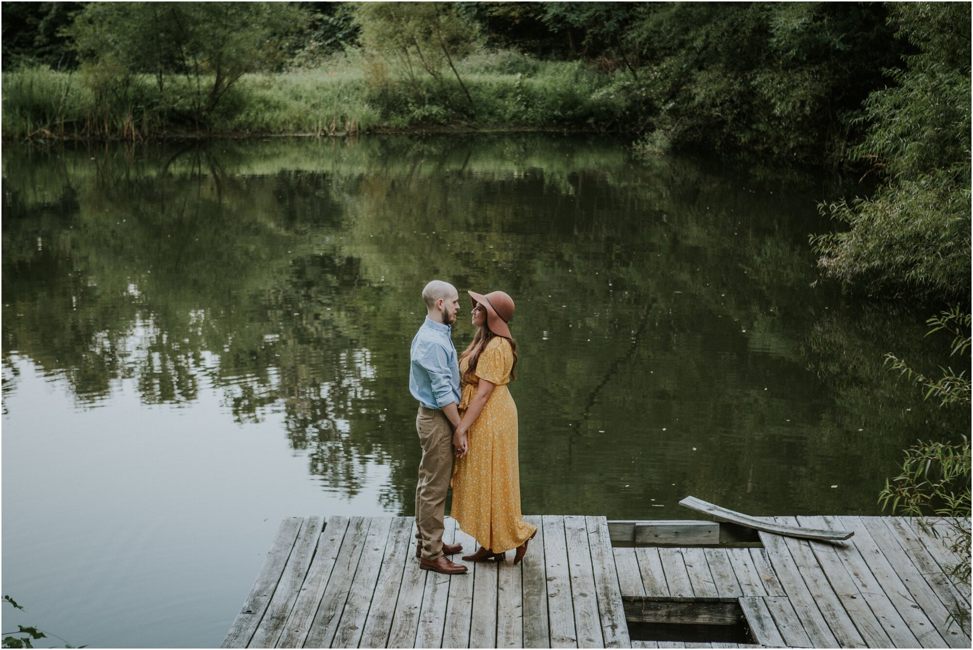 kingsport-tennessee-backyard-pond-bays-mountain-summer-engagement-session_0030.jpg