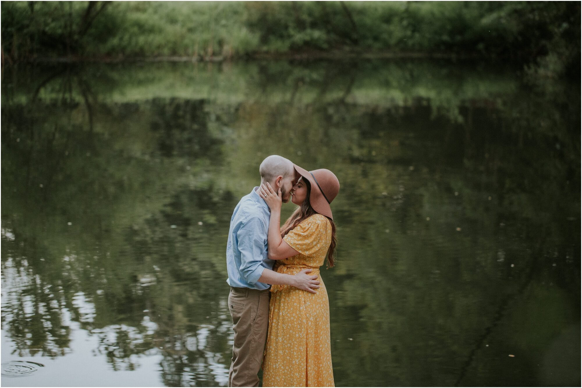 kingsport-tennessee-backyard-pond-bays-mountain-summer-engagement-session_0035.jpg