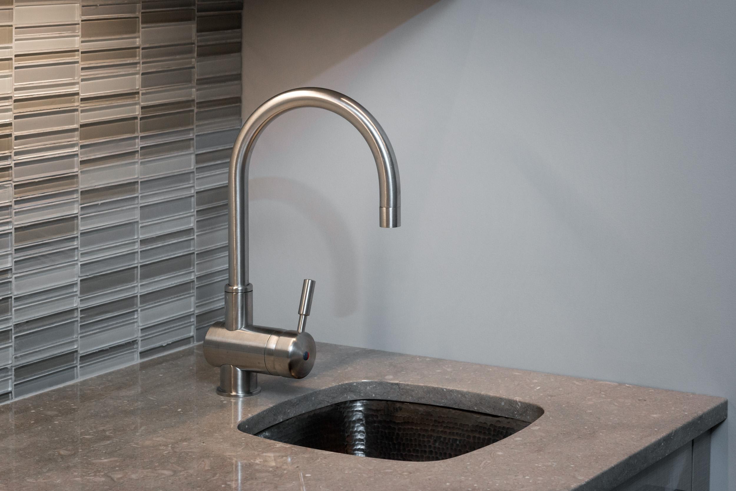 4-KitchenVisions-Zinc-sink-Newton.jpg
