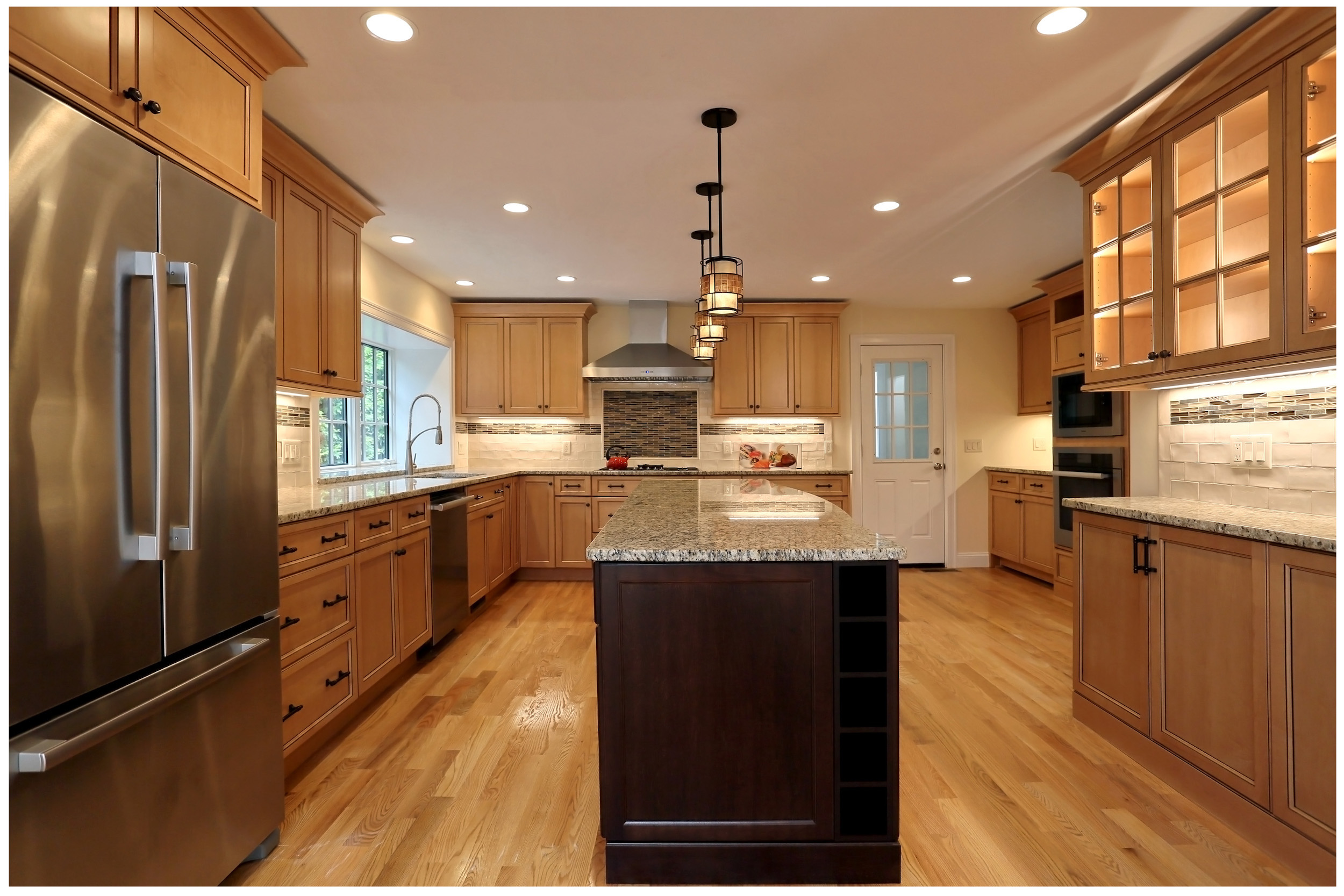 KitchenVisions-New-Traditional-Kitchen-ChestnutHill-6E9C8364rt-12x8-300.jpg