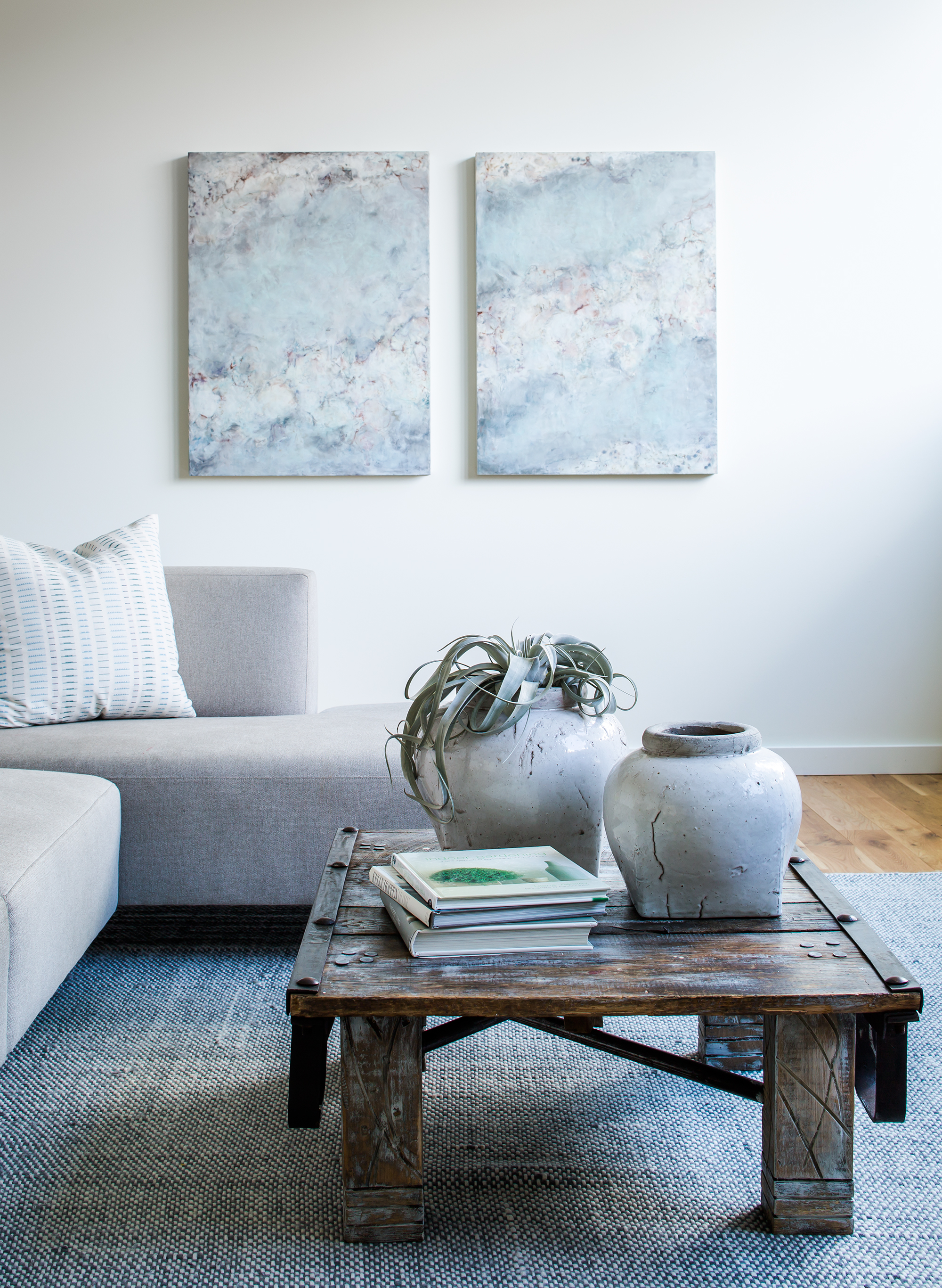 modern on conncecticut ave living room   jeff herr photography