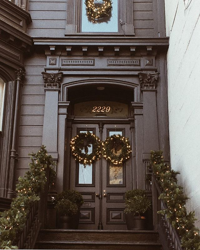 And just like that, Christmas came and we are down to the last week of holidays. I really do think wreaths should be an all year thing! || #sanfrancisco