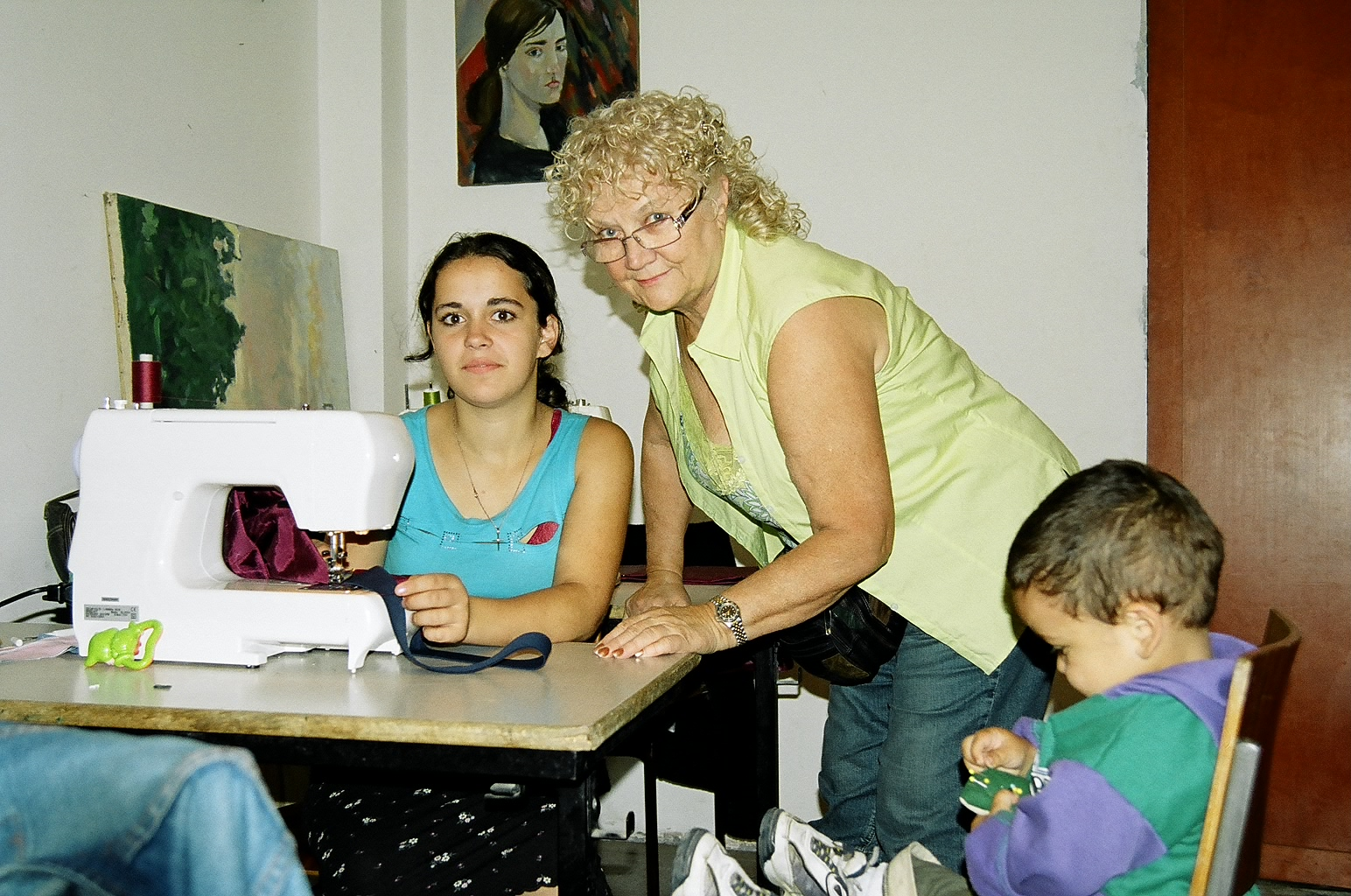 Ukraine-Sylvia teaching youngest mom.jpg