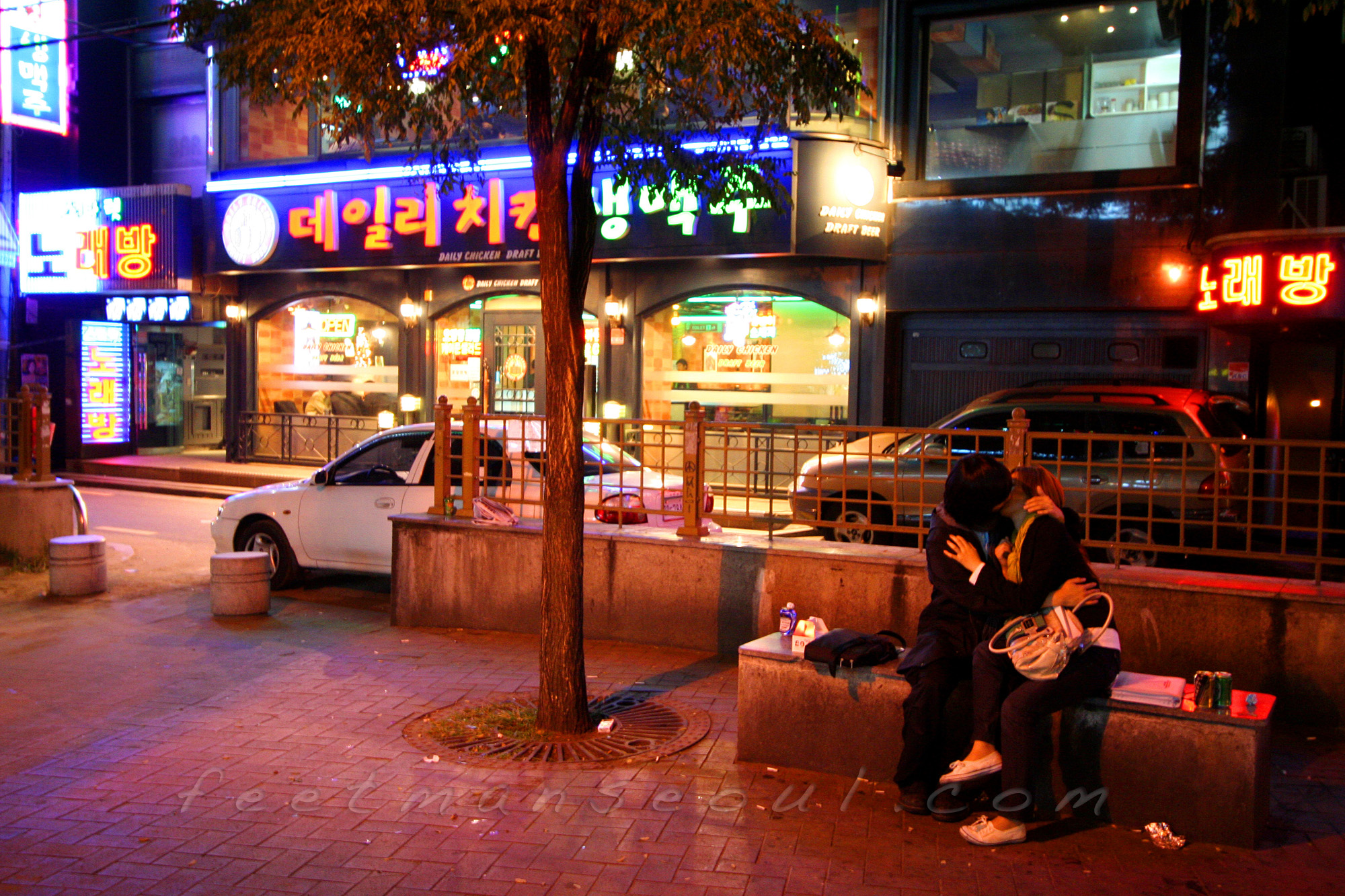 Seoul is also dark romance in dark places...