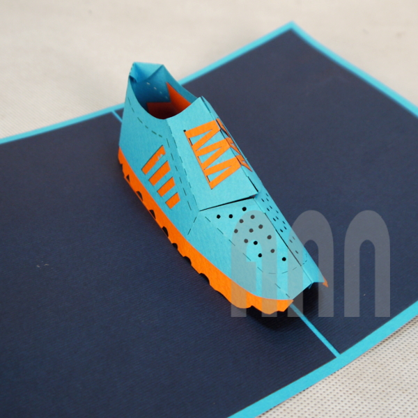 Trainer-Shoes-3d-pop-up-greeting-card-1.jpg