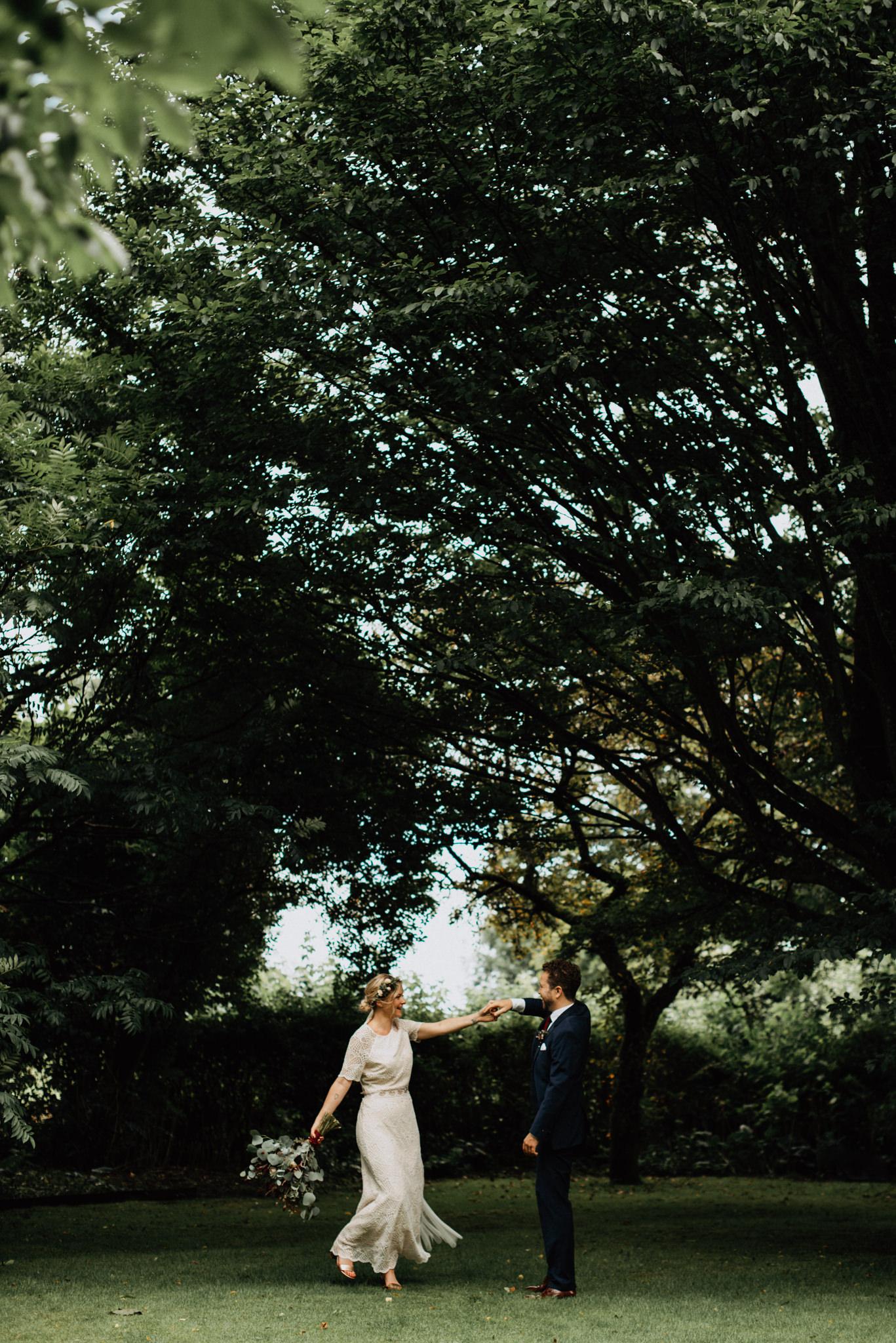 Lantligt och bohemiskt bröllopsporträtt