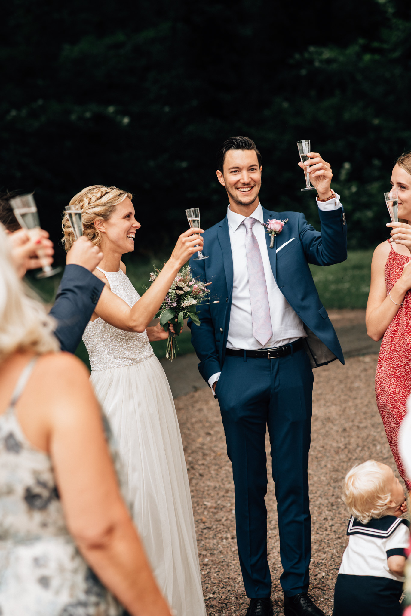 intimt-bröllop-mölle-kapell-rusthållaregården-arild-bröllopsfotograf-skåne-aase-pouline207.jpg