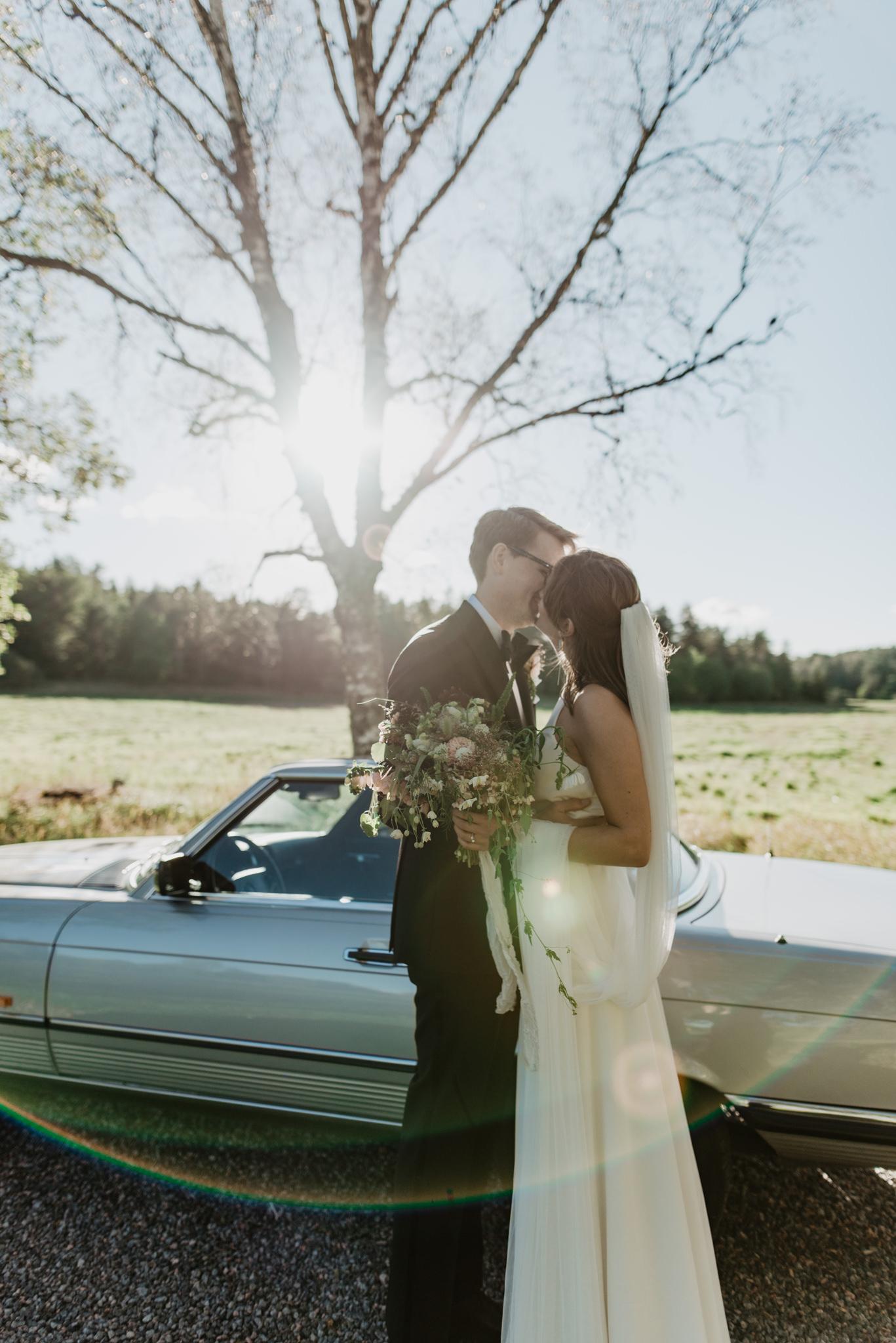 FEATURED STORY - Effortlessly Chic Archipelago Wedding