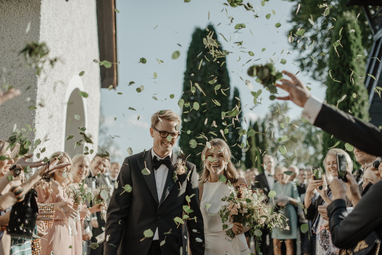 Green leaves as wedding confetti