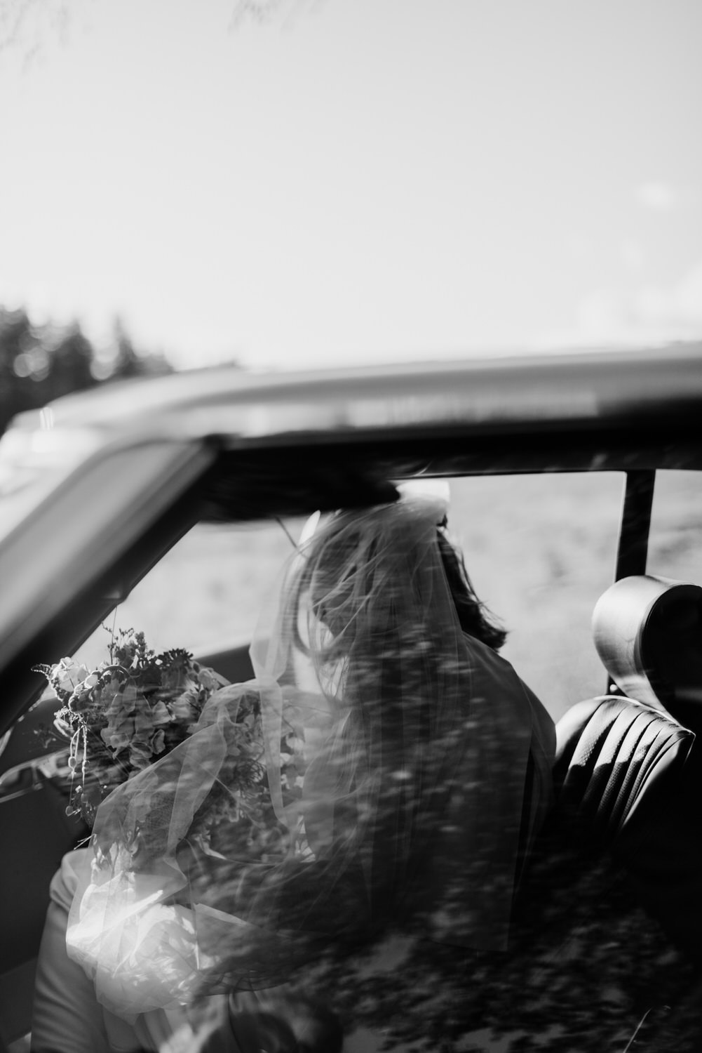 Timeless car bridal portrait