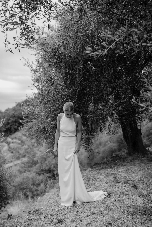 Bröllop i en olivlund i Ligurien, Italien