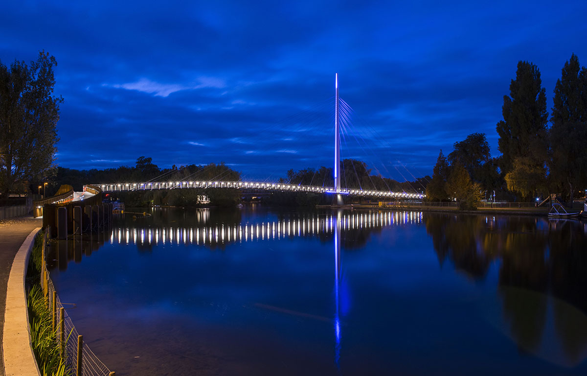 Christchurch Bridge / Design Engine Architects