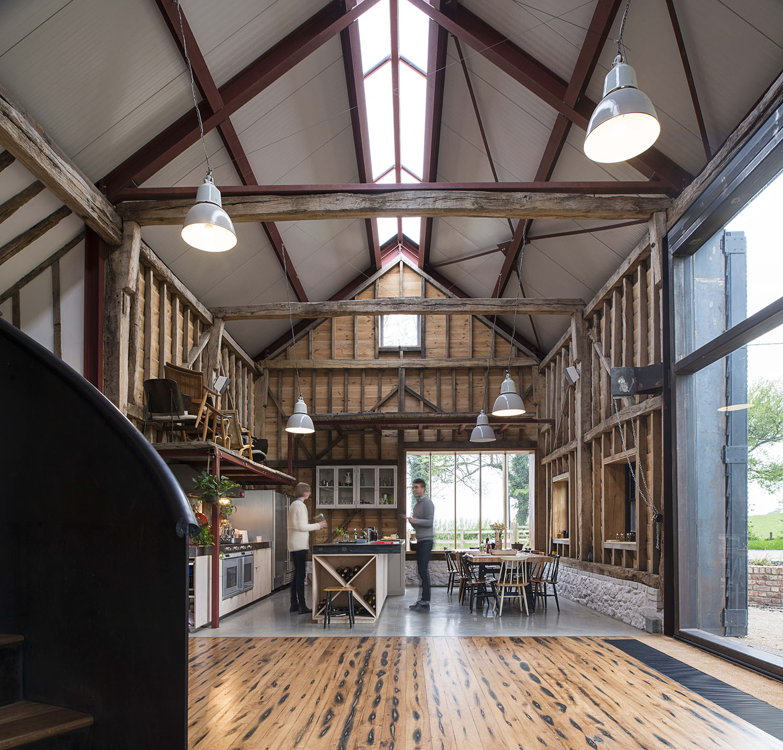 The Ancient Party Barn / Liddicoat & Goldhill