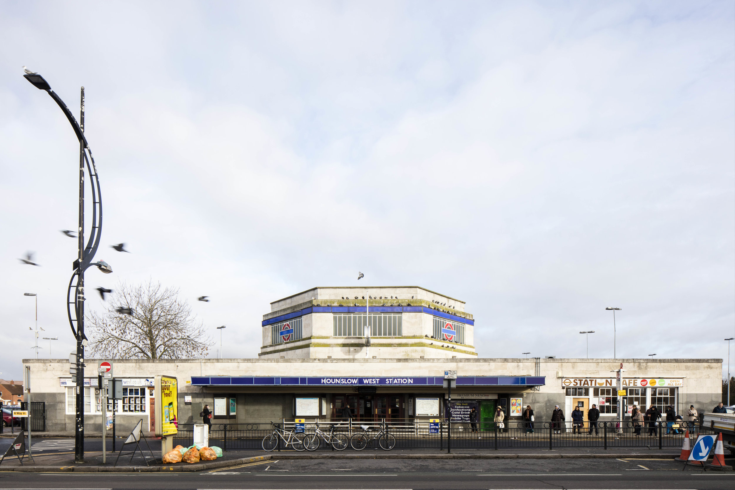 The Architecture of the Underground / Hounslow West Station.