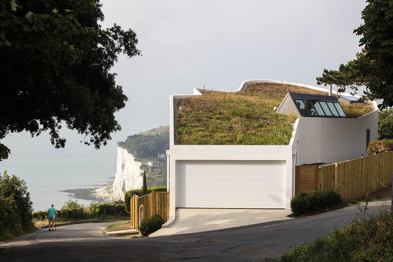 Ness Point House / Tonkin Liu.