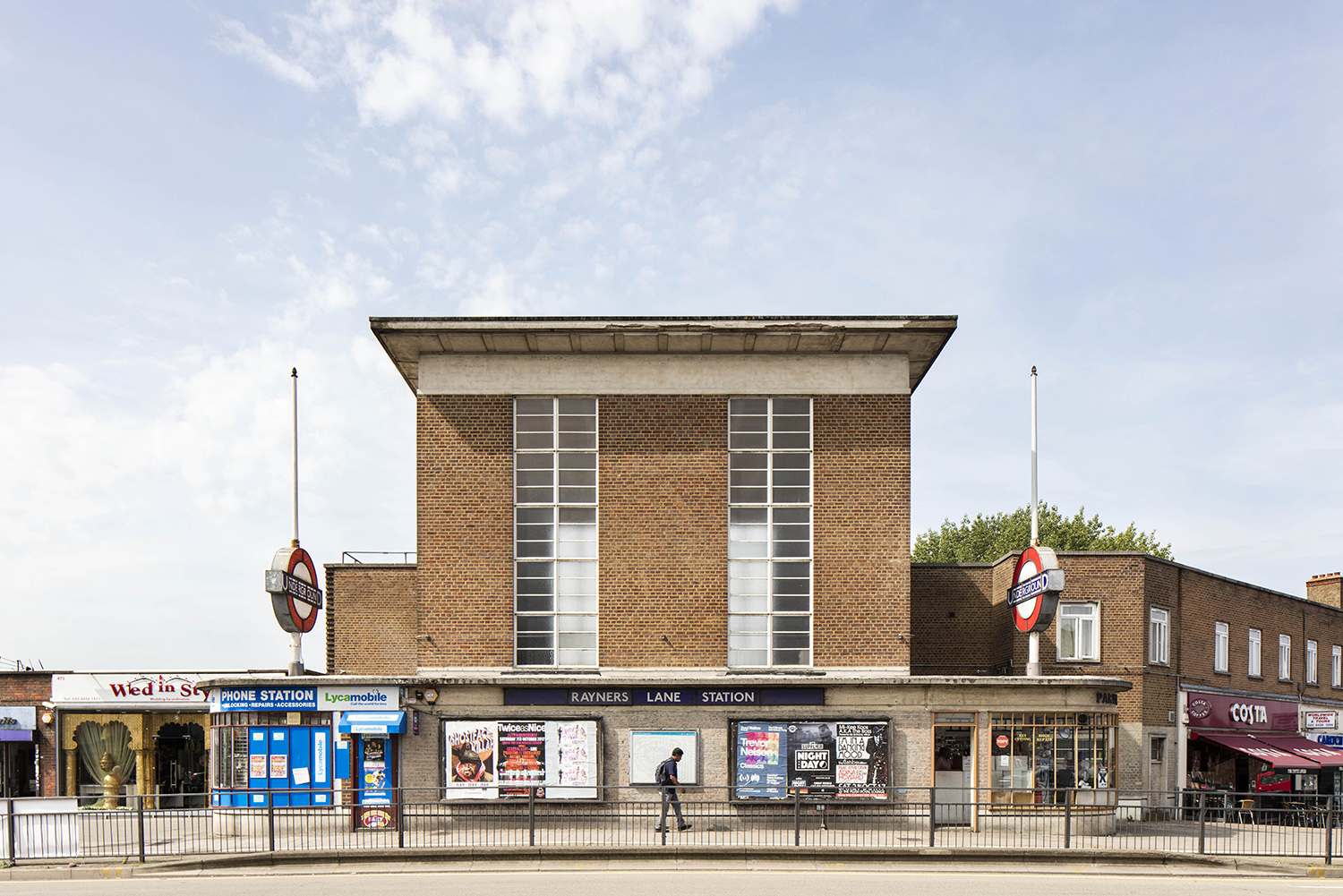 RAYNERS LANE / PICCADILLY & METROPOLITAN LINES / ARCHITECT: CHARLES HOLDEN & REGINALD UREN