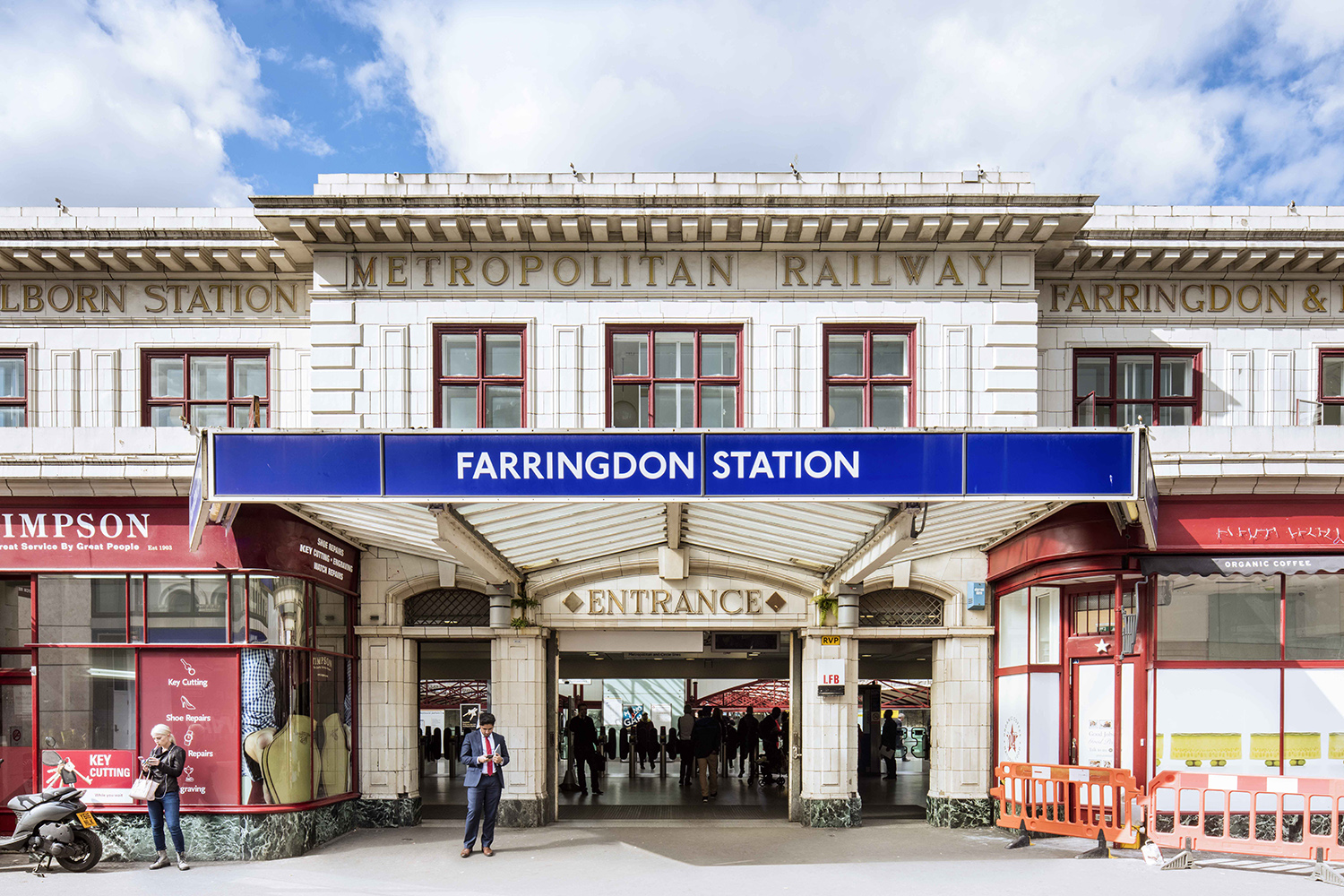 FARINGDON / HAMMERSMITH & CITY, CIRCLE AND METROPOLITAN LINES / ARCHITECT: CHARLES WALTER CLARK