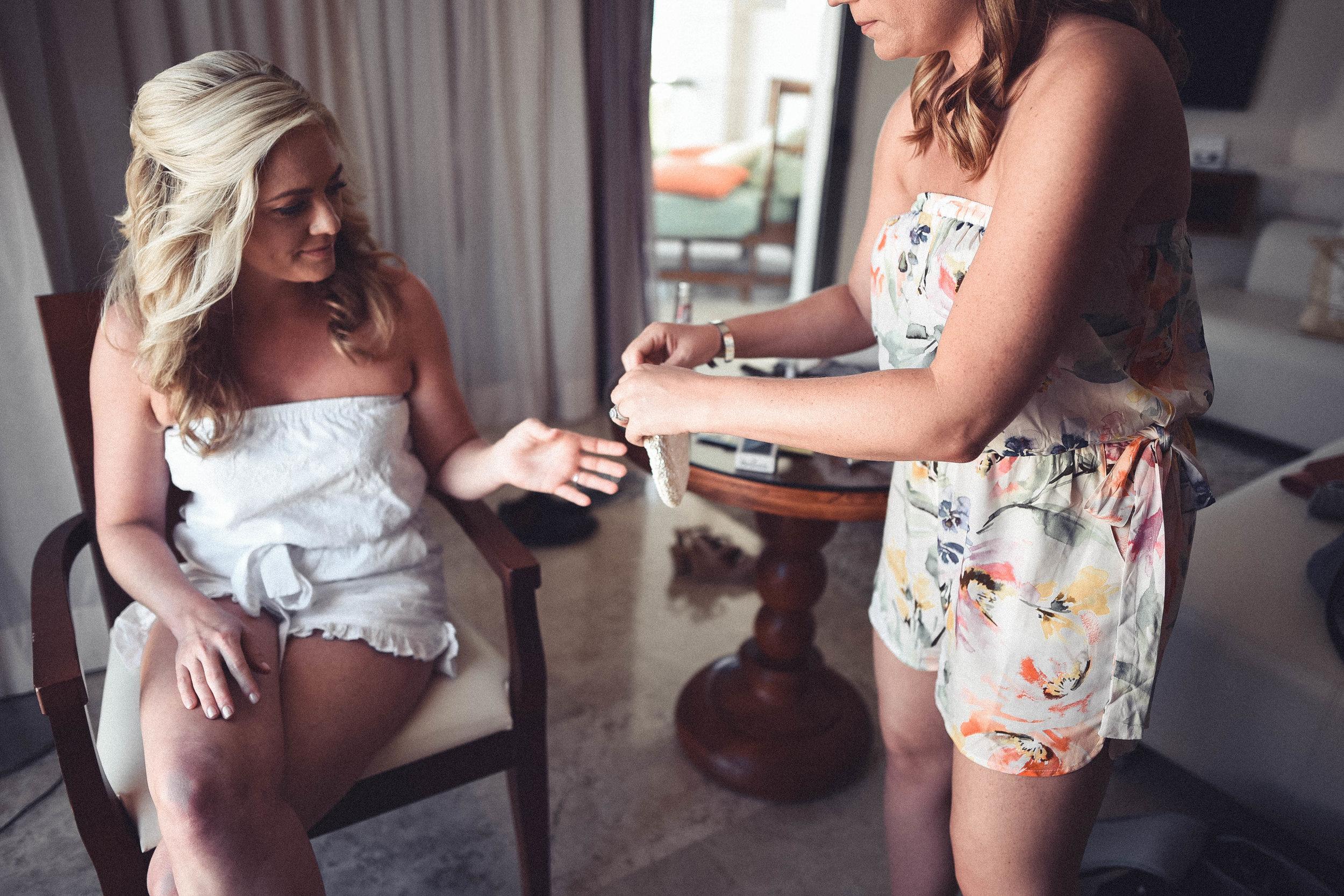 1. Bridesmaids-12.jpg
