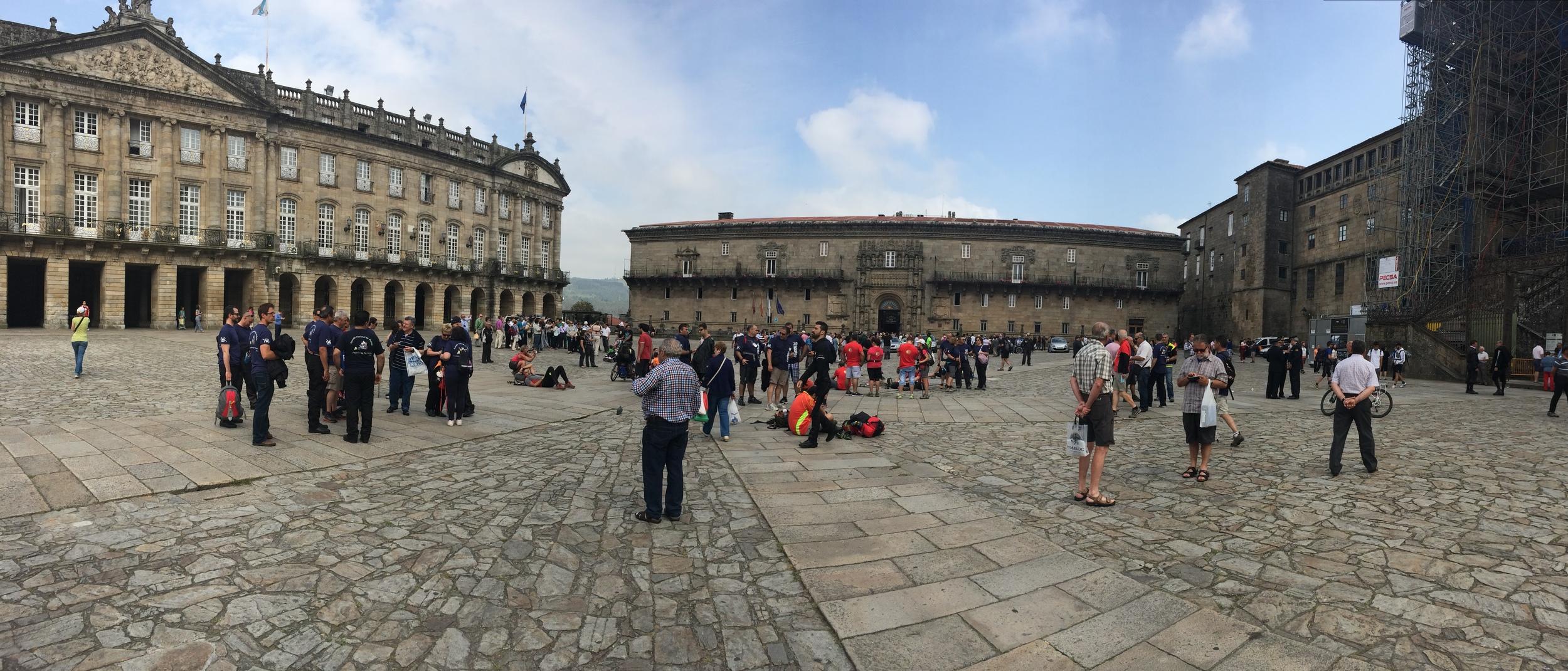 The Praza do Obradoiro. Look at all the hikers!