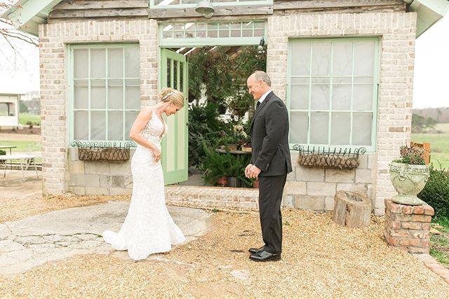 Taking it all in 😍 • #photography #photooftheday #wedding #weddingphotography #georgiawedding #savannahevephotography