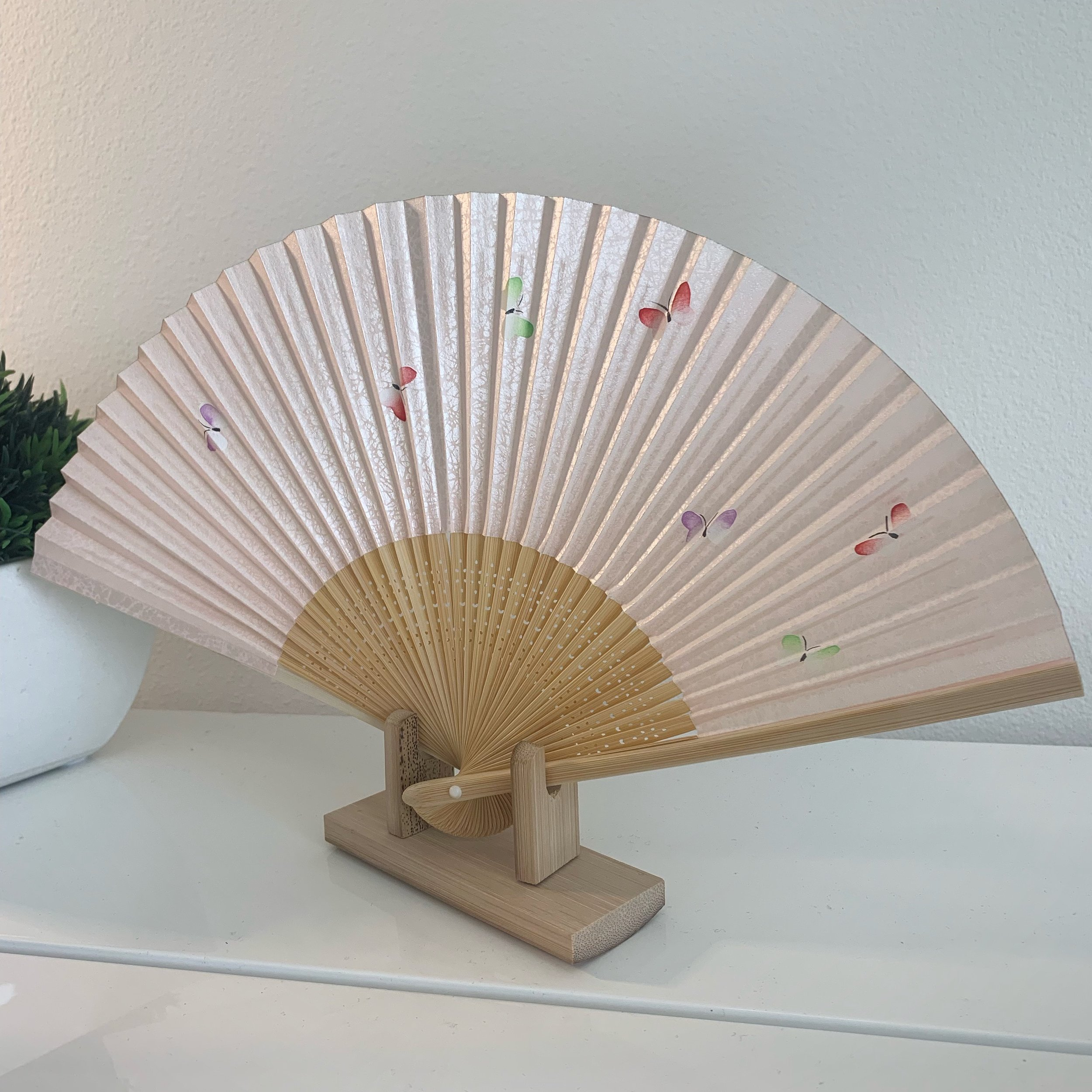 These beautiful fans make great gifts!