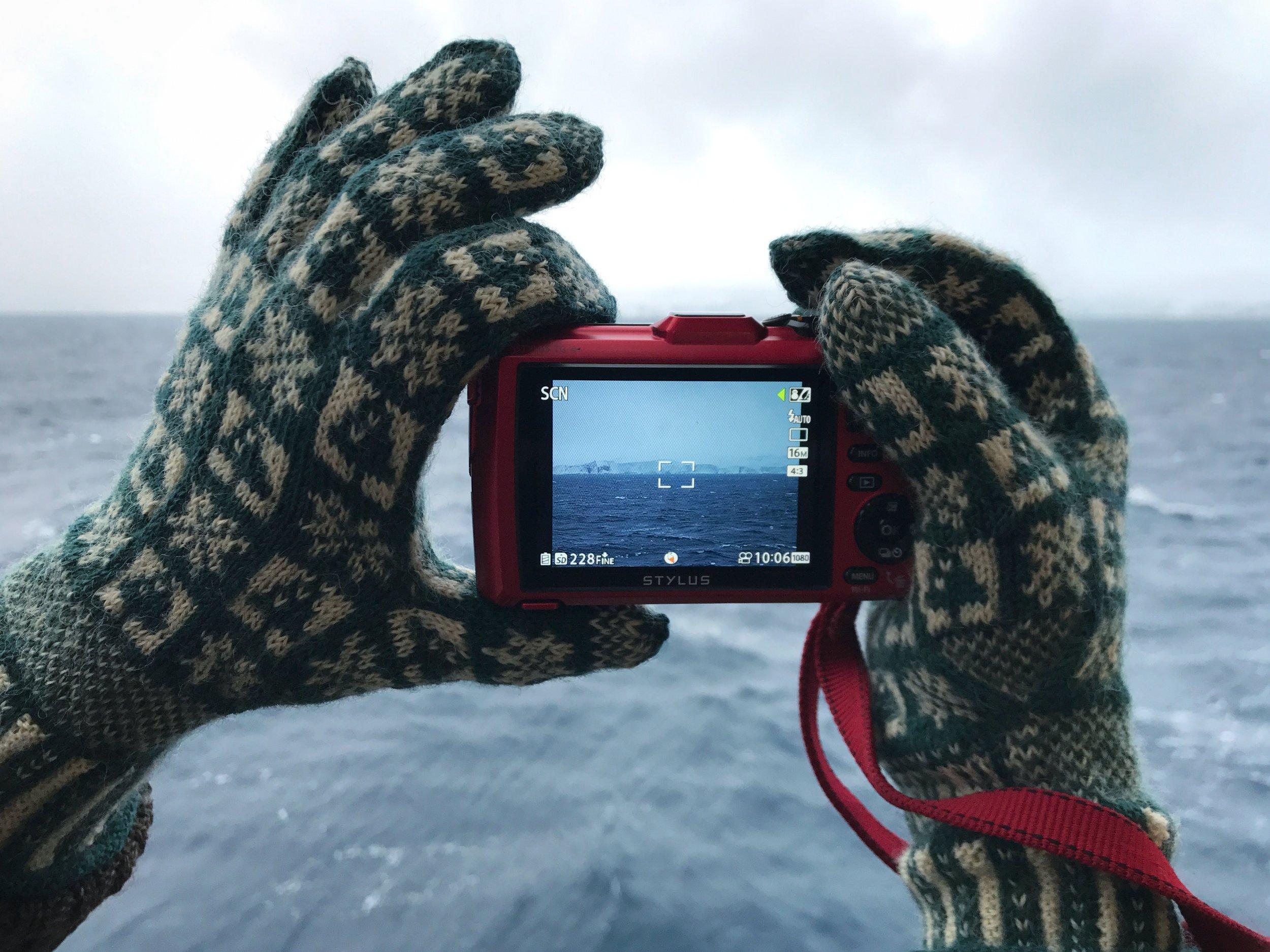 Winter Sanquhar Gloves Antartica.jpg