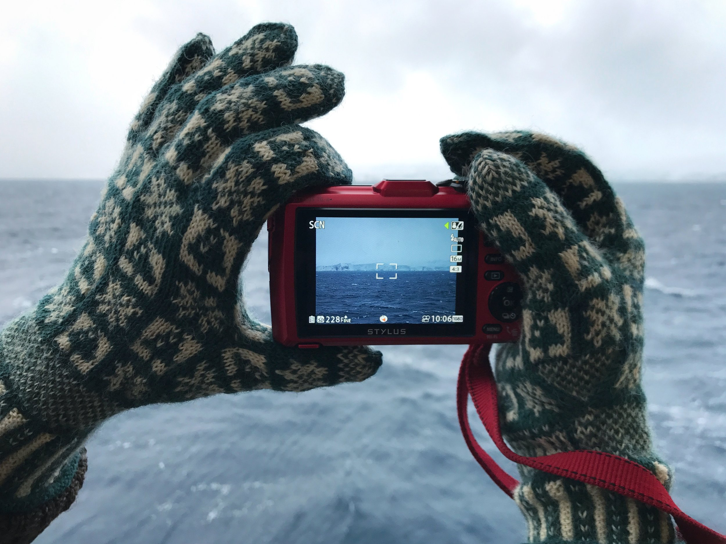 Winter Sanquhar Gloves Antartica.jpg