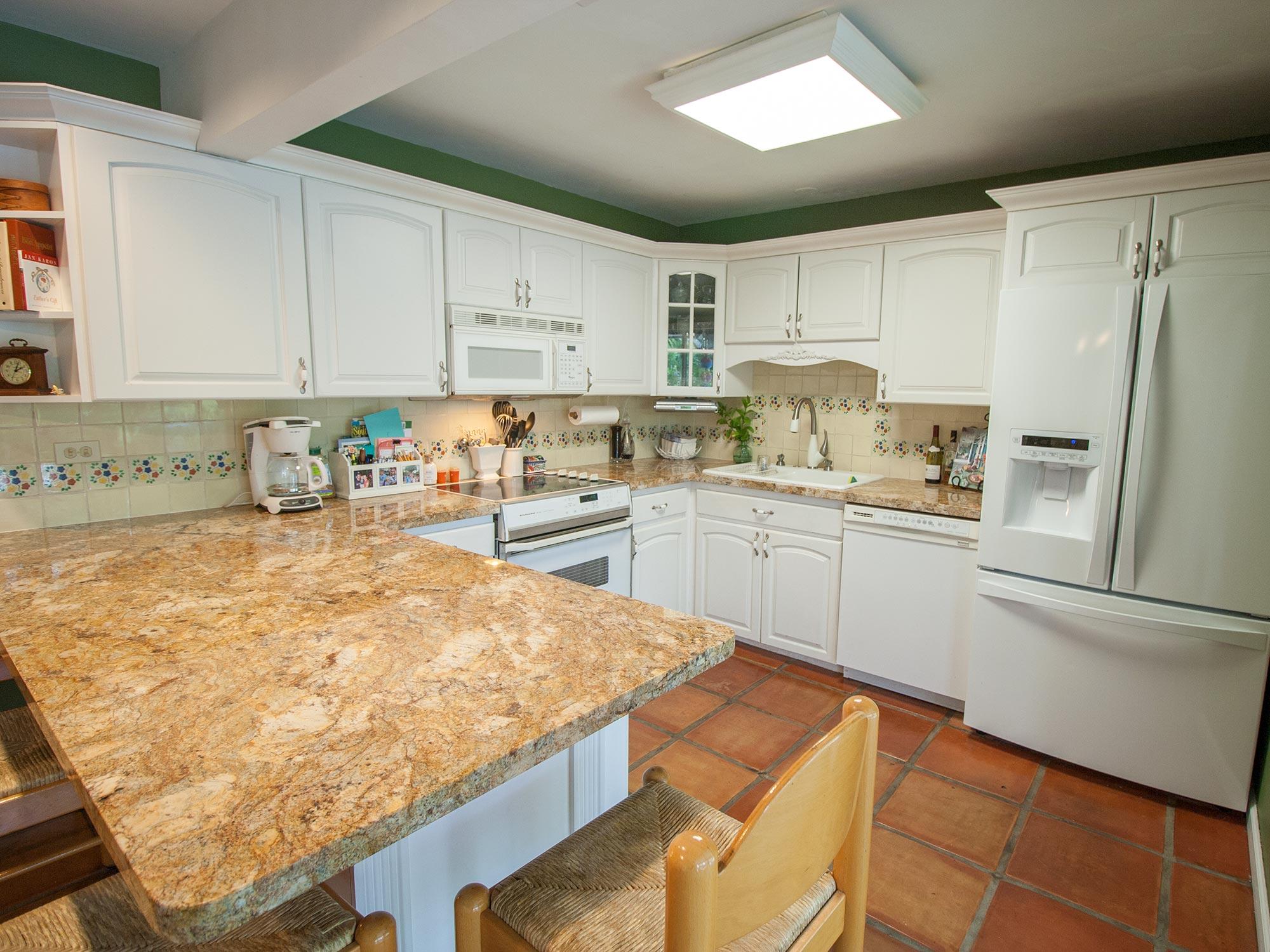 08_KitchenB.jpg