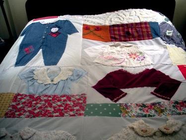 KIDS CLOTHES QUILT