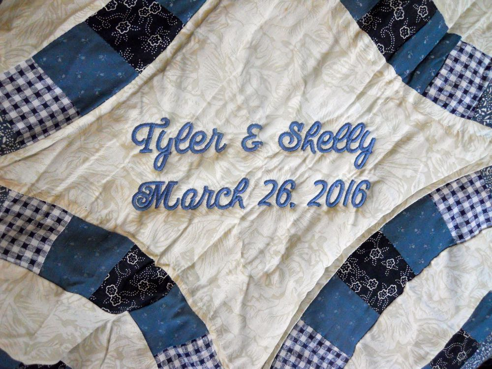 IMPORTED PERSONALIZED NAVY BLUE DOUBLE WEDDING RING QUILT