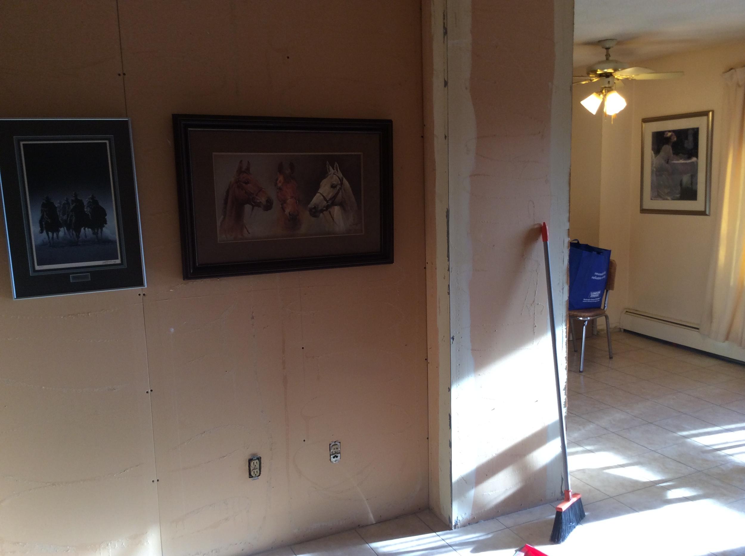 Inglewood+Condo+Livingroom+Dining+Before.JPG