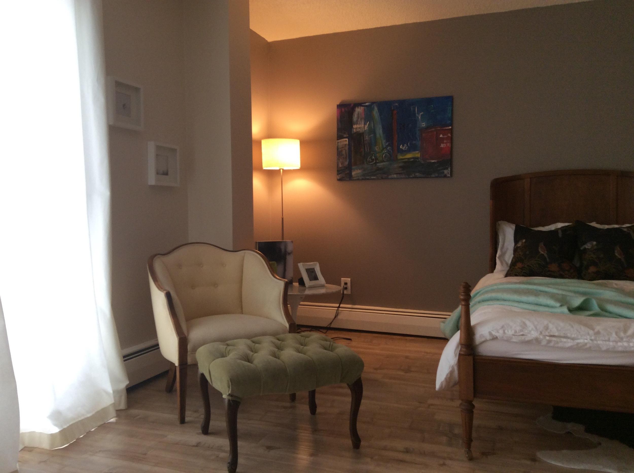 Inglewood+Condo+Living+Room+Art.jpg