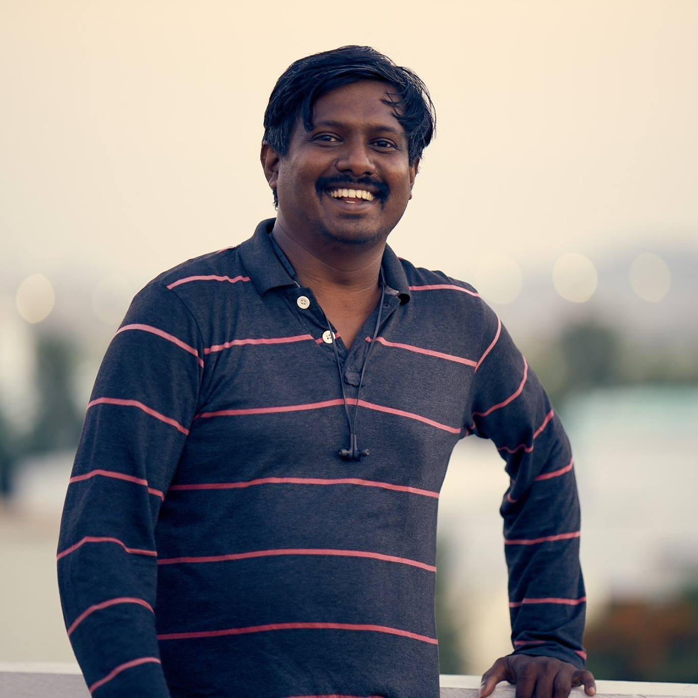 Karthik Rajagopal  a commercial photographer will facilitate the workshop.