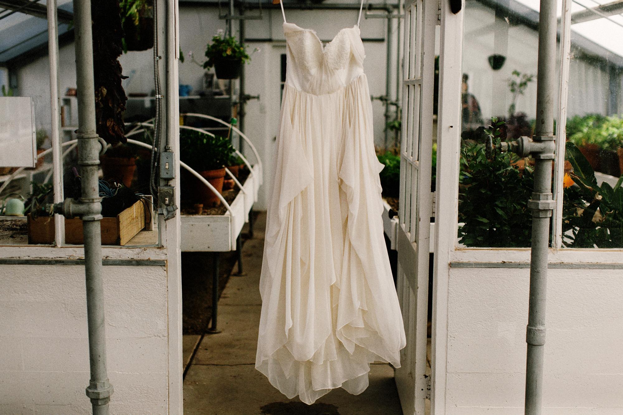 004-los-poblanos-wedding--destination-wedding--wedding-dress.jpg