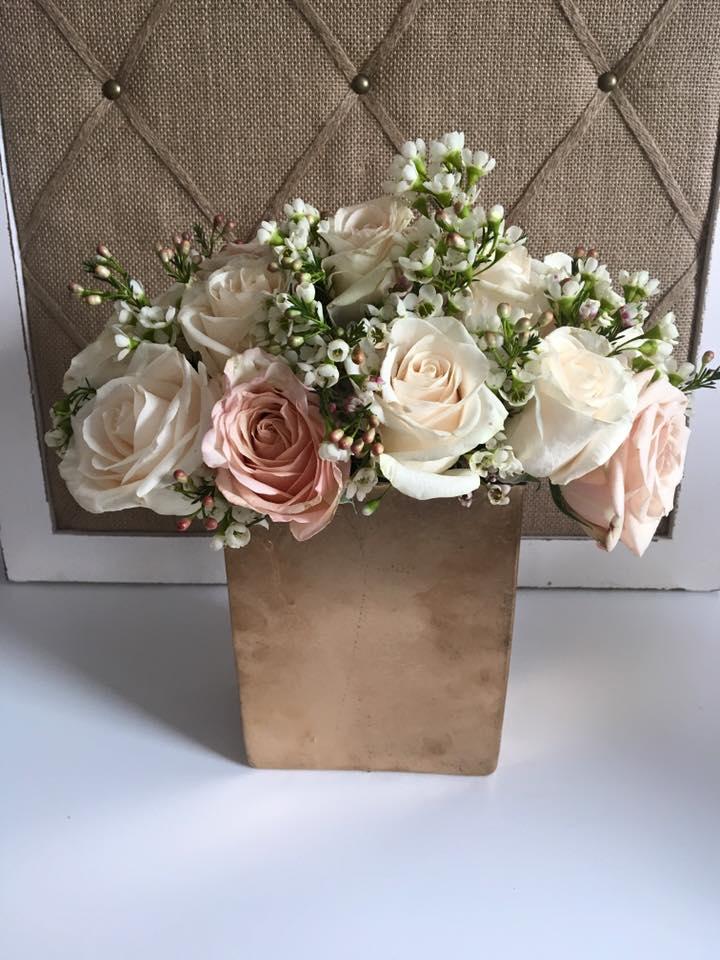 Evelisa Floral & Design: small arrangment