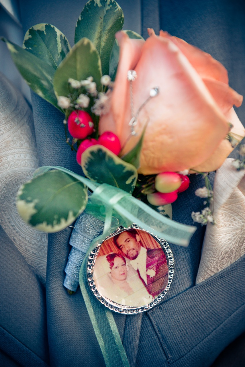 Evelisa Floral & Design: Grooms Boutonniere