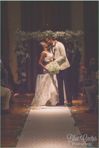 Babybreath brides's bouquet. Wedding arch. Ceremony design