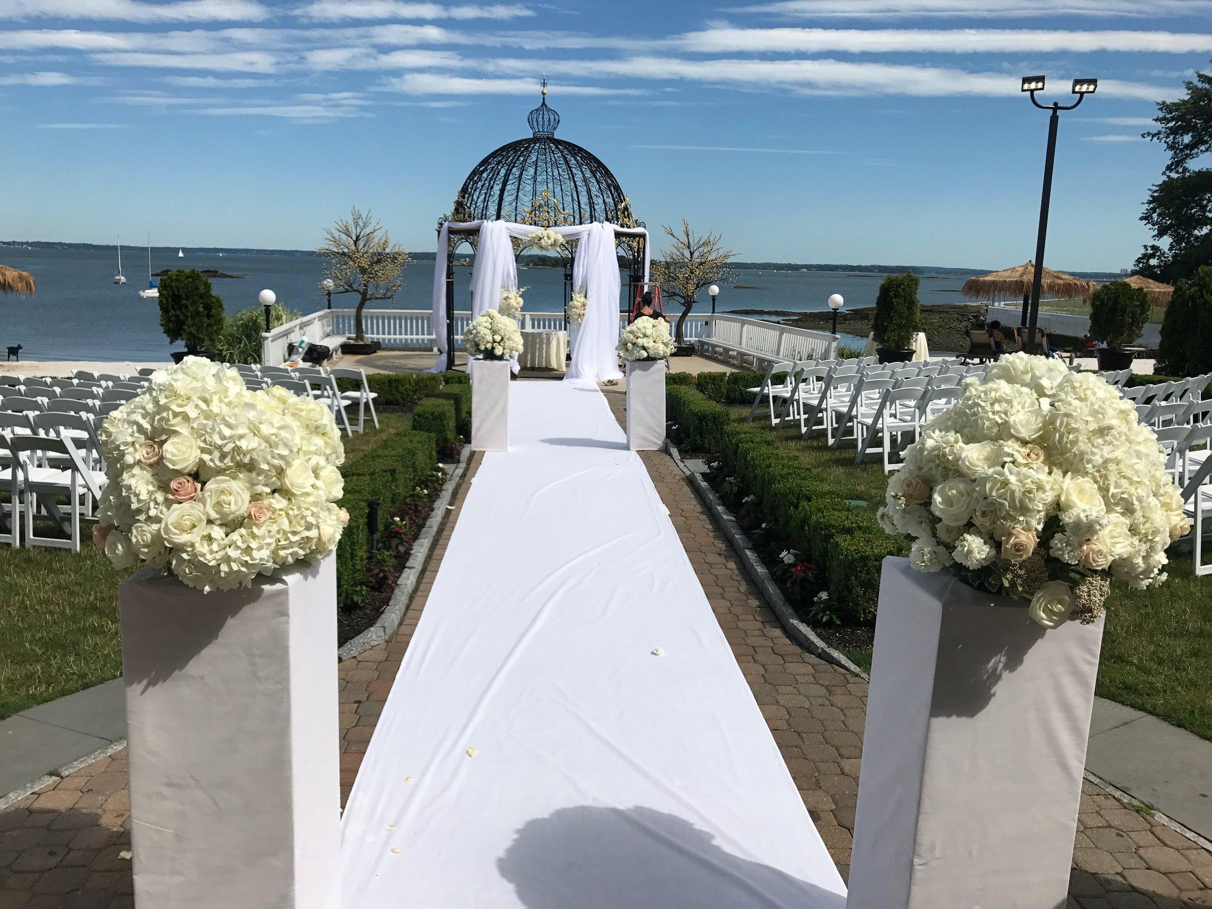 Evelisa Floral & Design: Ceremony design