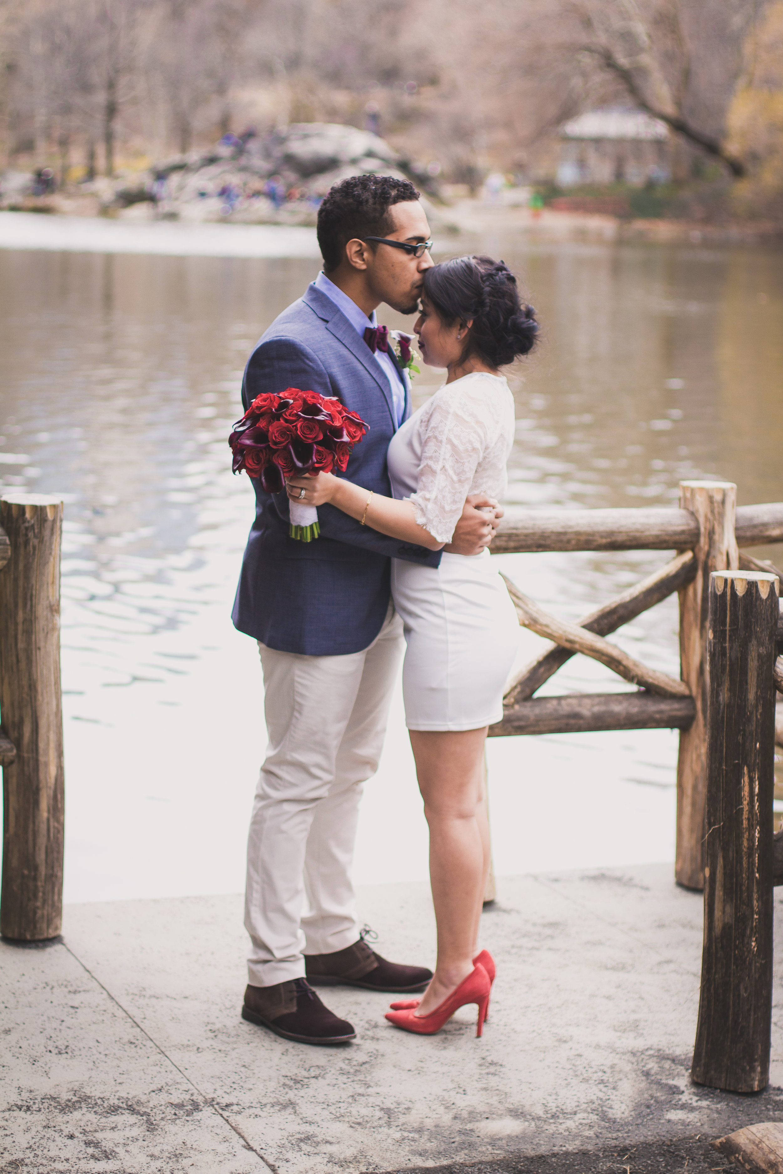 Photography: Dream Pictures NY, Florals: Evelisa Floral & Design, Location: Central Park NYC