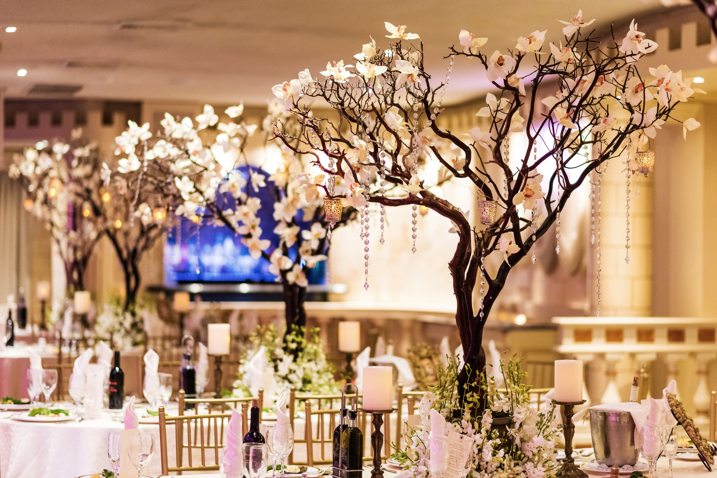 Evelisa Floral & Design | Tree centerpieces | NYC wedding